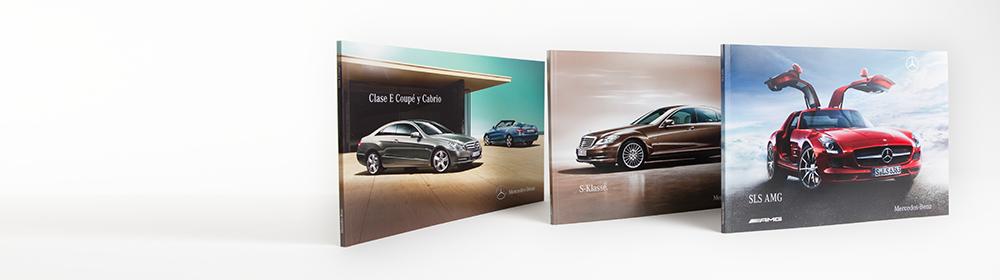 <h2>Mercedes-Benz Verkaufsliteratur</h2>Automobilbroschüren mit bündigen Umschlagklappen.